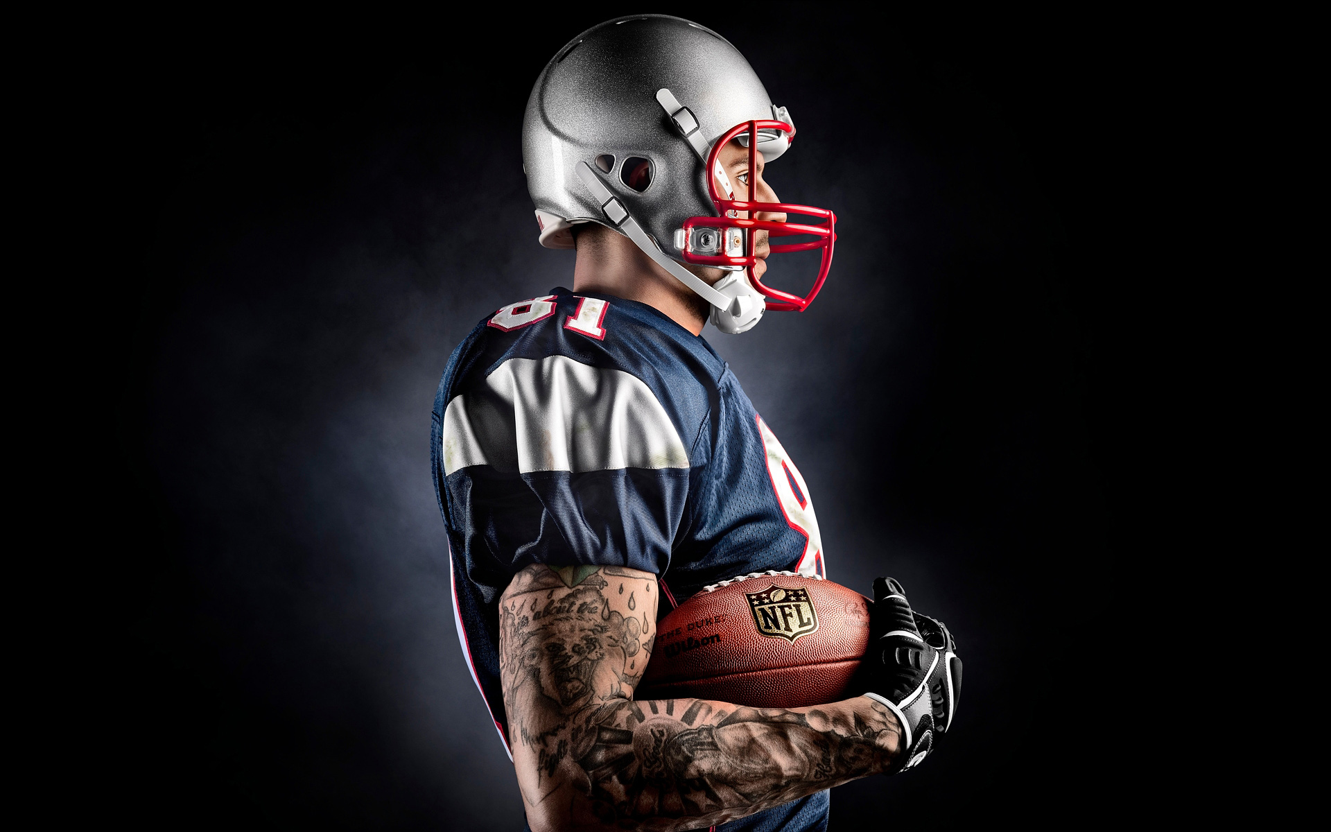 Aaron Hernandez by athlete photographer Blair Bunting