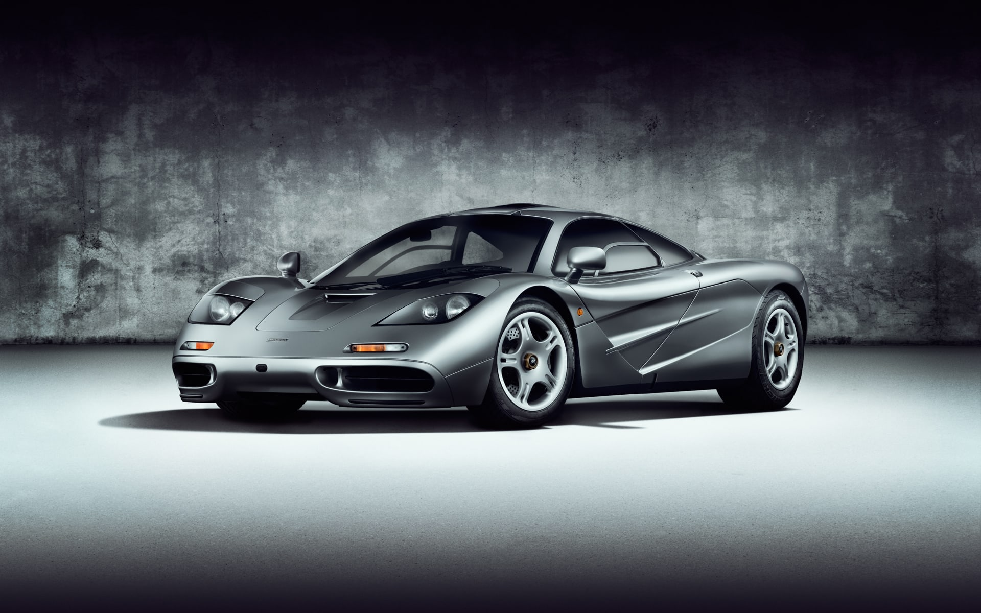 McLaren F1 photographed in studio by Arizona Photographer Blair Bunting